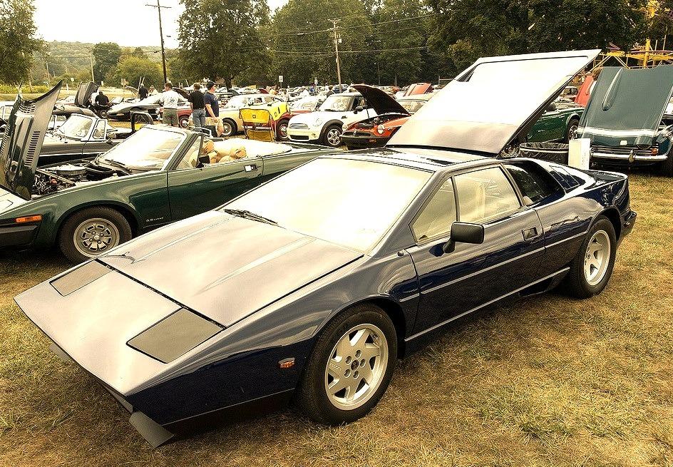 88 Lotus Esprit Turbo