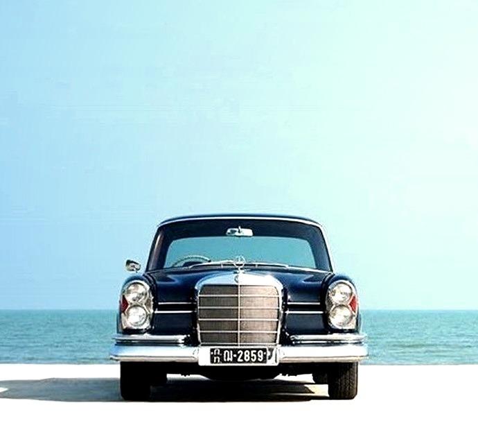 Mercedes-Benz 220 S W111 (Instagram @timm.pasin.)